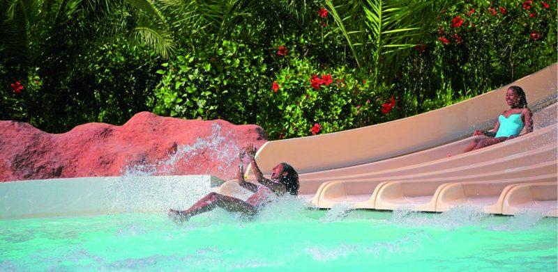 Aqua park marrakech toboggans piscines vague for Aqua piscine otterburn park