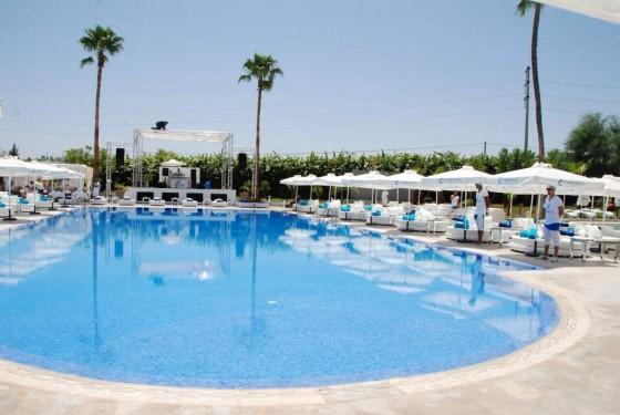 Journ e piscine marrakech 26 piscines de r ve for Journee piscine