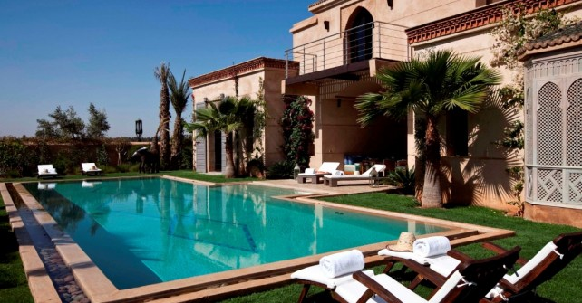 Location d 39 une villa marrakech avec piscine chauff e for Riad piscine privee marrakech
