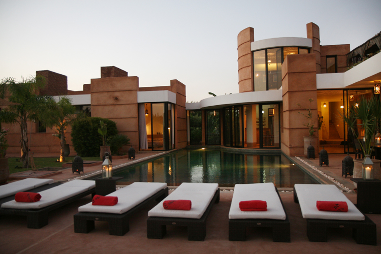 Location villa marrakech villa chic design for Villa a marrakech avec piscine