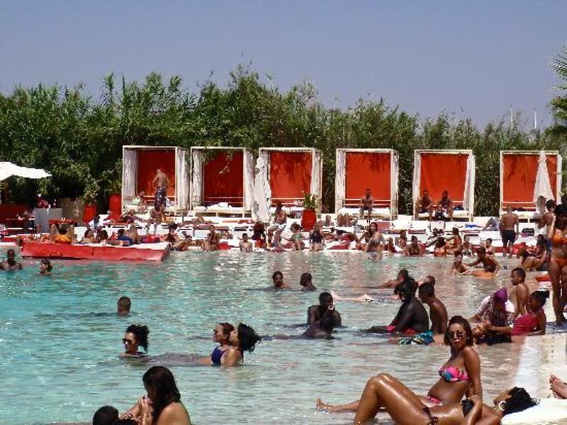 Plage rouge marrakech prix tarifs horaires 9 photos for Club rabat piscine