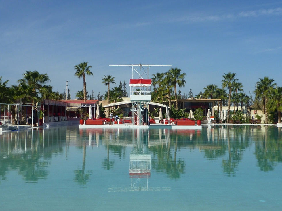 piscine plage rouge marrakech