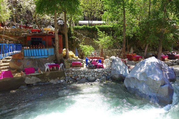 restaurants au bord de la vallée ourika